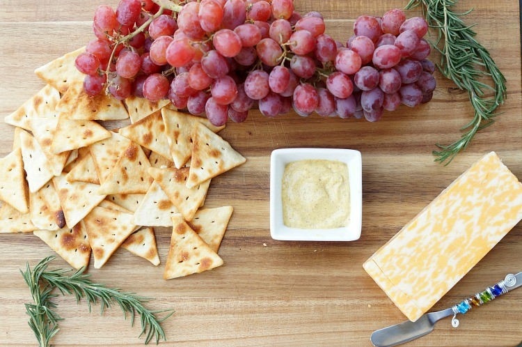 No-Fail Party Planning Cheese and Cracker Plate
