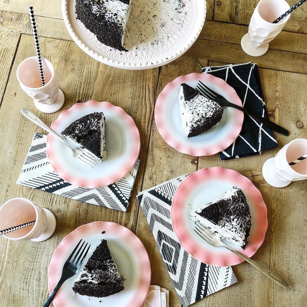 Summer Party Ideas Mod Oreo Cake